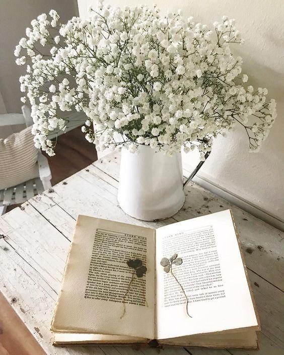 bình hoa trang trí nội thất