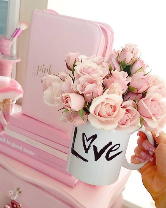 bình hoa đẹp để phòng khách